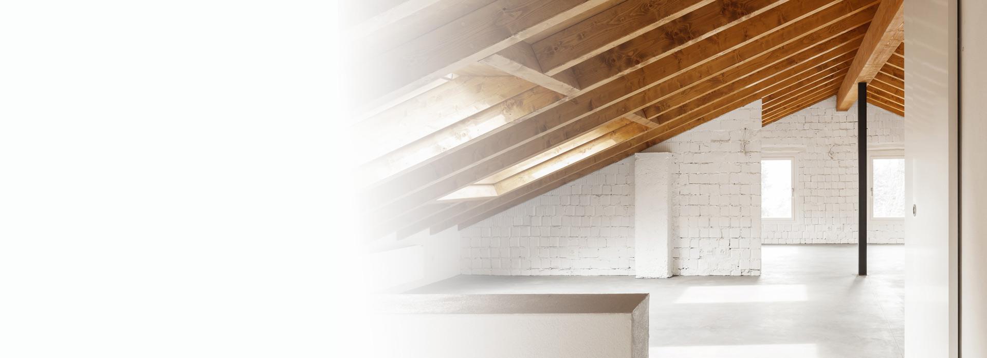 Ein entrümpelter und freier Dachstuhl inkl. Dachfenster