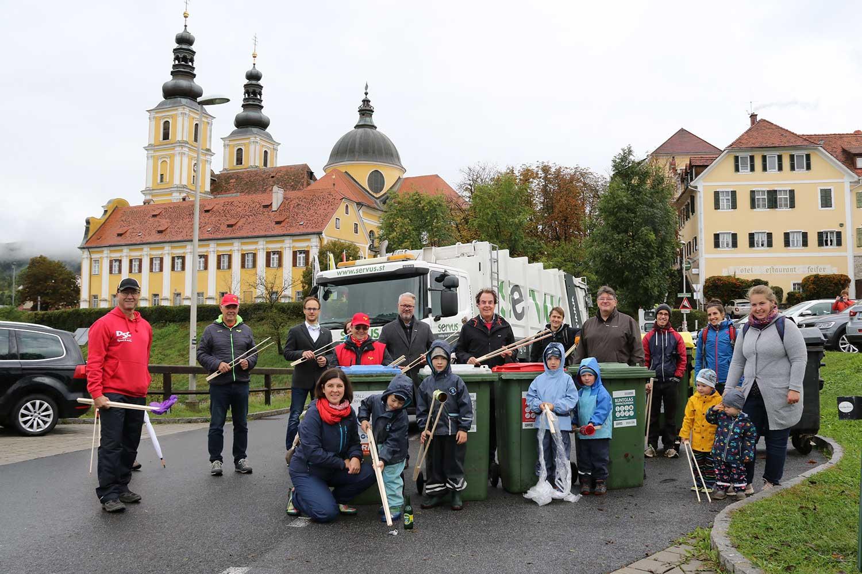 Team von SERVUS und Co. vor der Basilika Graz-Mariatrost.