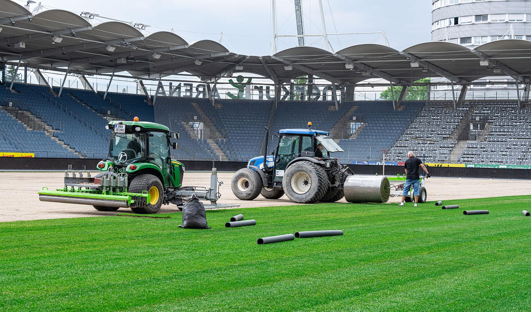 Rasentausch im Stadion (c) MCG, Wiesner